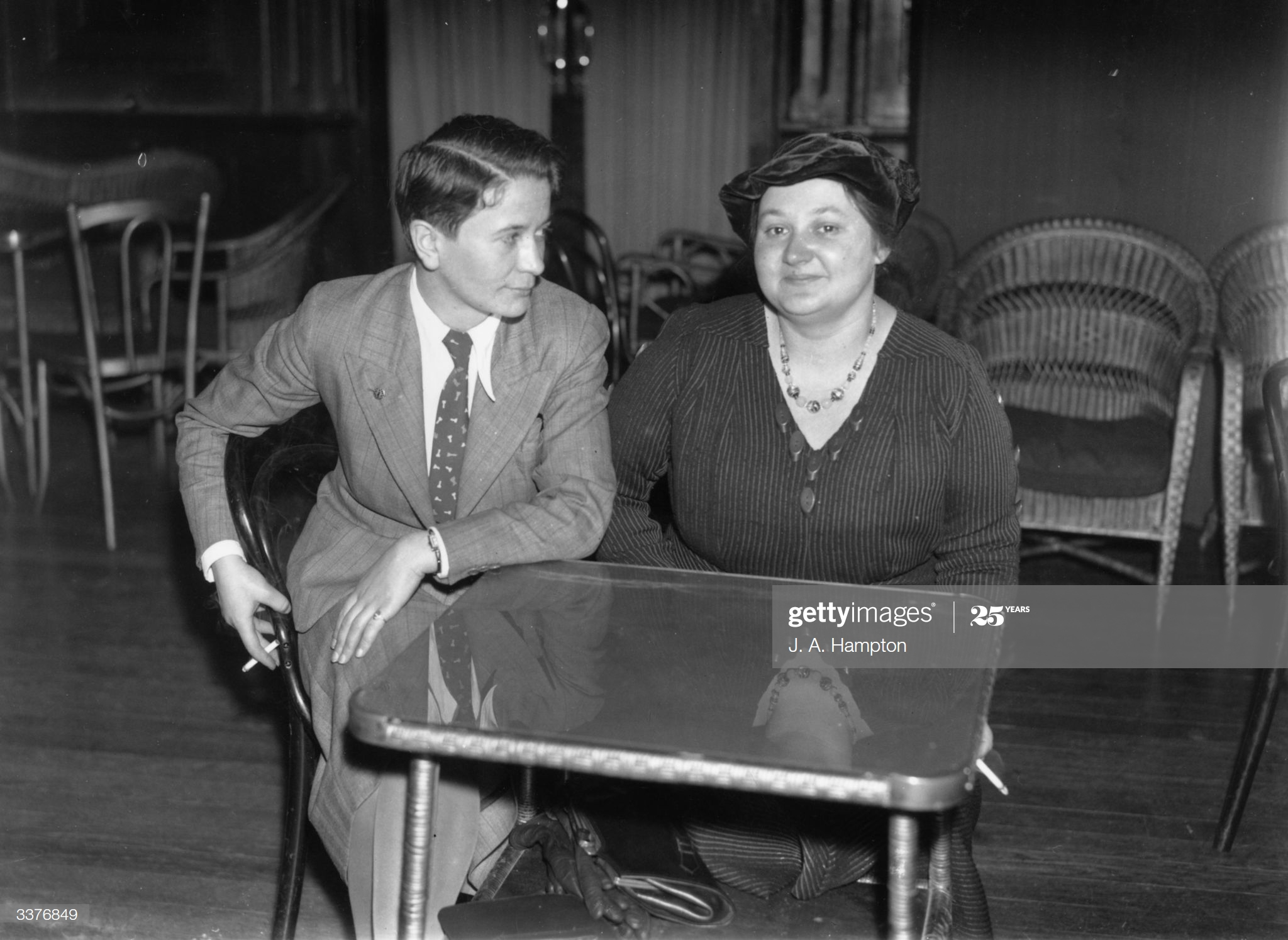 27th November 1936: Britain's world chess champion Vera Menchik (right) and challenger Sonja Graf after signing a contract at the Bloomsbury Hotel, London, to play for the championship of the world over 16 games. (Photo by J. A. Hampton/Topical Press Agency/Getty Images)
