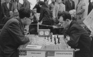Leonard Barden vs Victor Korchnoi, Leipzig Olympiad, 1960