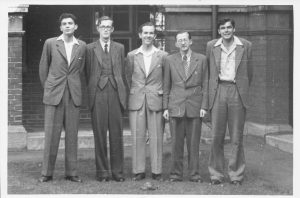 Leonard Barden (centre) with Raaphi Persitz, JB Sykes, OI Galvenius and DM Armstrong, Ilford, May, 1953