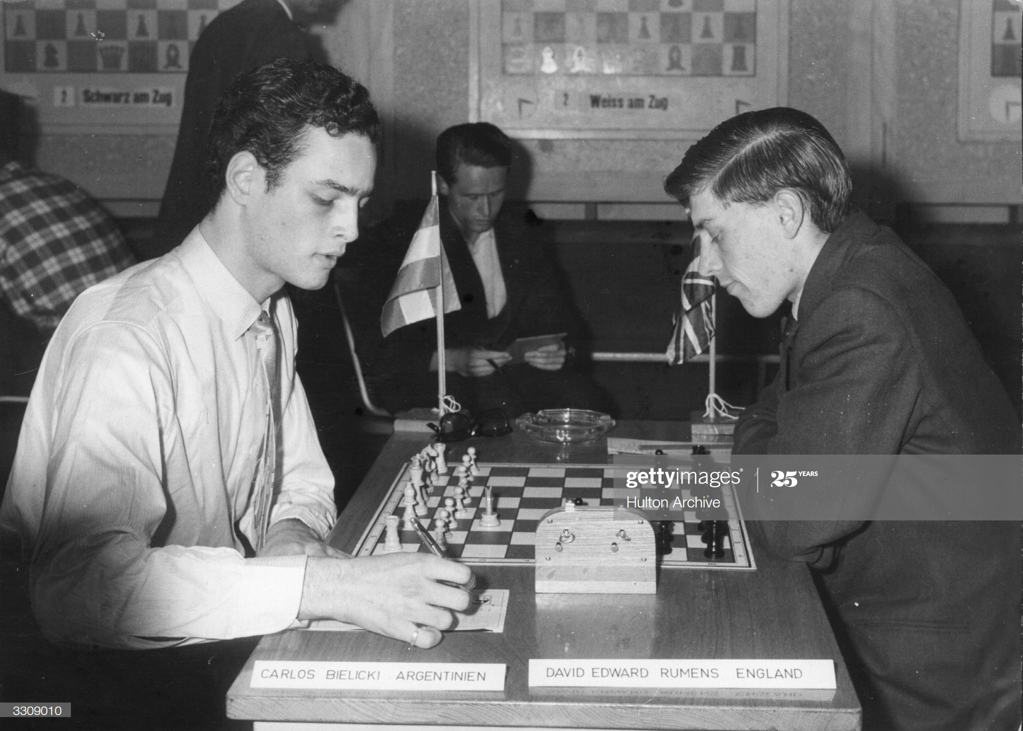 Carlos Bielicki of Argentina (left) beats David Edward Rumens of England in the final game of the 1959 Youth World Chess Championships in Munchenstein. (Photo by Hulton Archive/Getty Images)