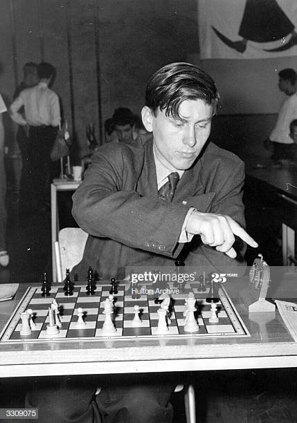 David Edward Rumens at the 1959 Youth World Chess Championships in Munchenstein.  (Photo by Hulton Archive/Getty Images)