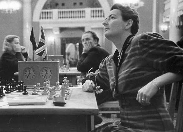 Rowena at the 1952 Moscow Zonal tournament. Courtesy of Keverel Chess