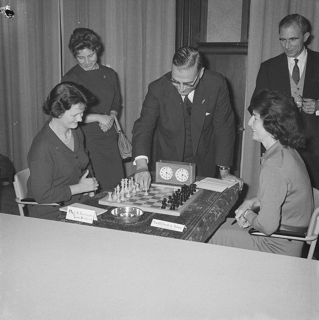 Anne Sunnucks vs Chaudé de Silans (Amsterdam, 1962)
