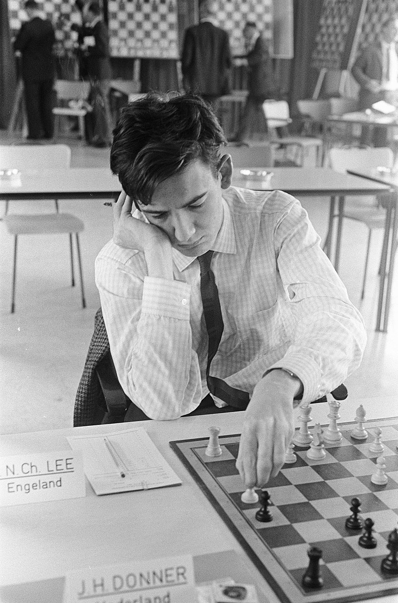 PN Lee playing JH Donner in the 1966 Zonal at The Hague. Peter just played 7.h4