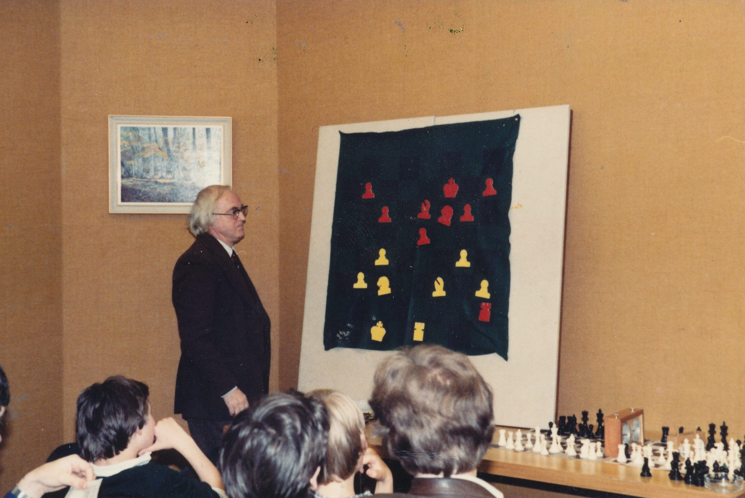 Bob at the demo board at London Central YMCA chess club.