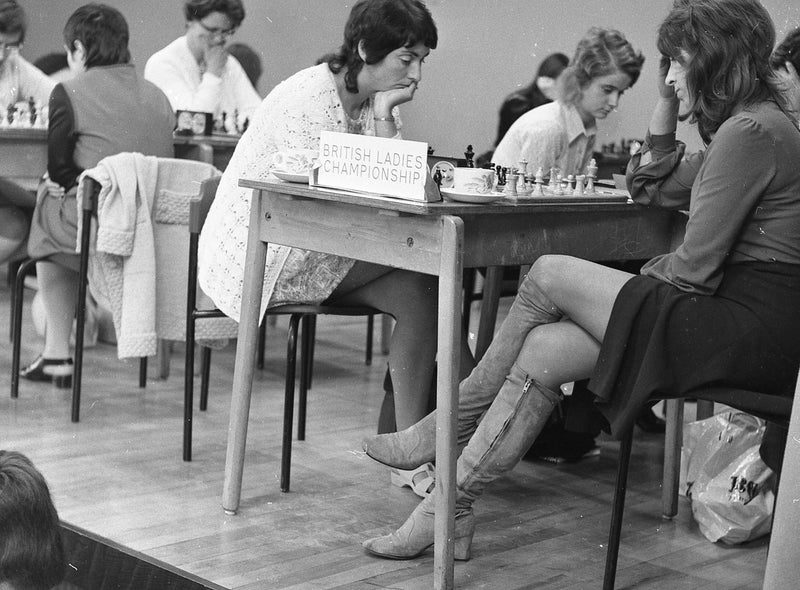 Anne Sunnucks (third from left) playing in the 1971 British Ladies Championship in Palatine School, Blackpool. Courtesy of Lancashire Evening Post.