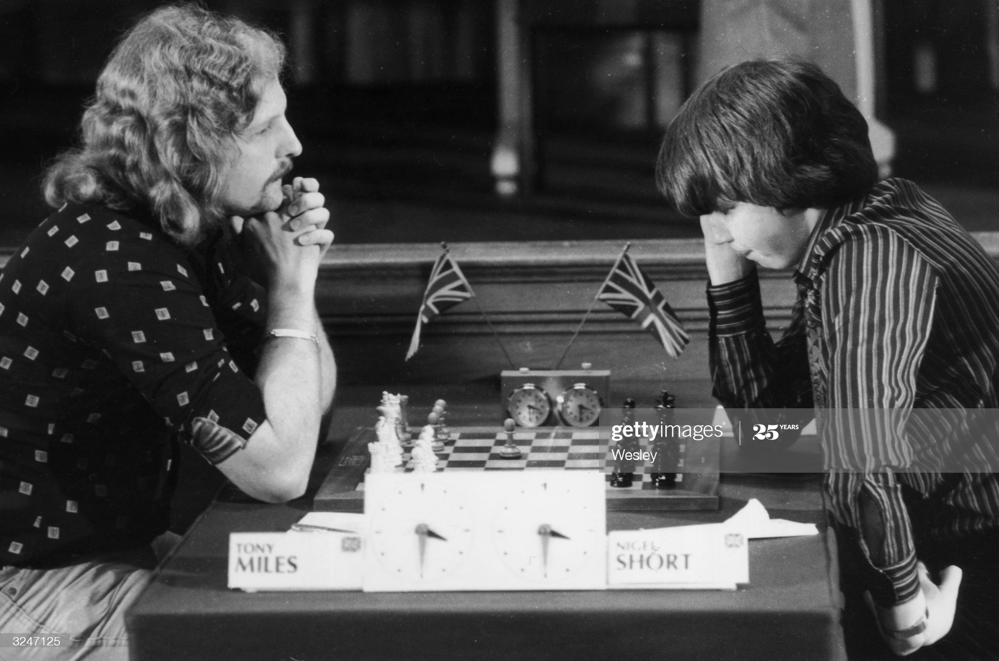 10th April 1980: Tony Miles (left) plays 14-year-old Nigel Short in the opening match of the Phillips and Drew Chess Tournament at County Hall, London. (Photo by Wesley/Keystone/Getty Images)