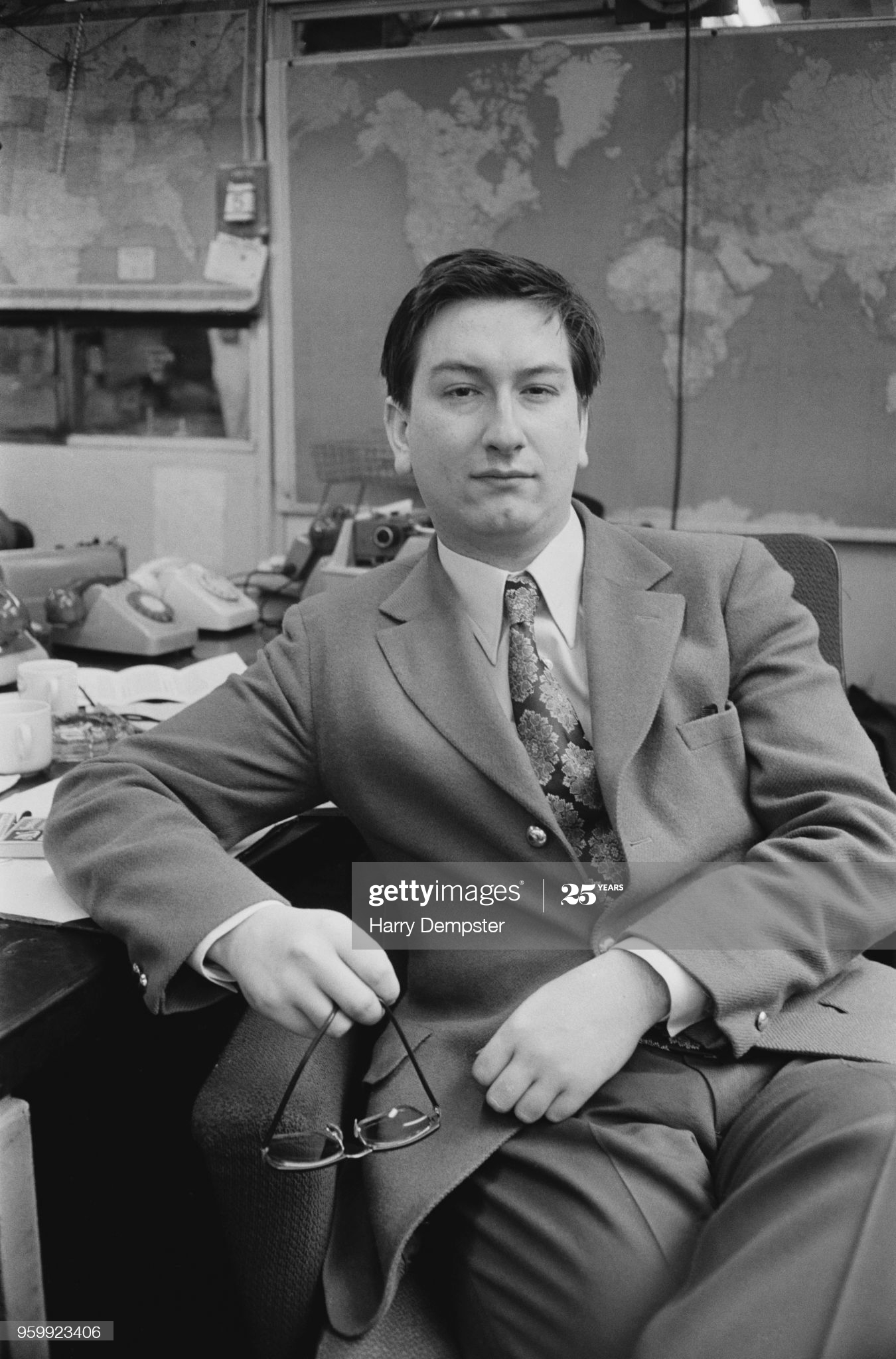 English chess player Raymond Keene, winner of the 1971 British Chess Championship, posed in London on 6th June 1972. Raymond Keene has been awarded the chess title International Master. (Photo by Harry Dempster/Daily Express/Hulton Archive/Getty Images)
