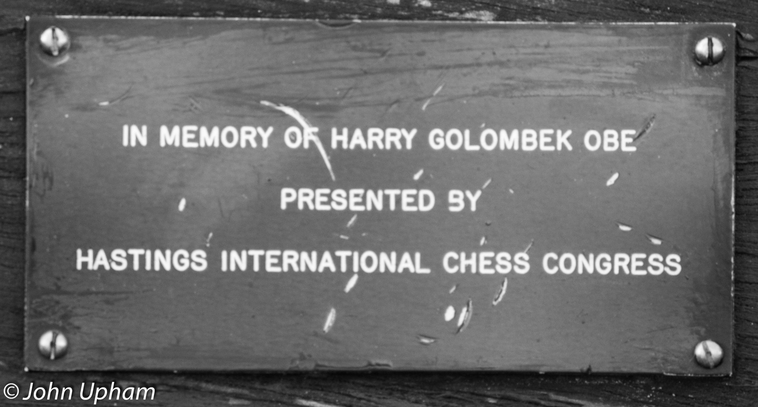 Hastings memorial bench for Harry Golombek OBE