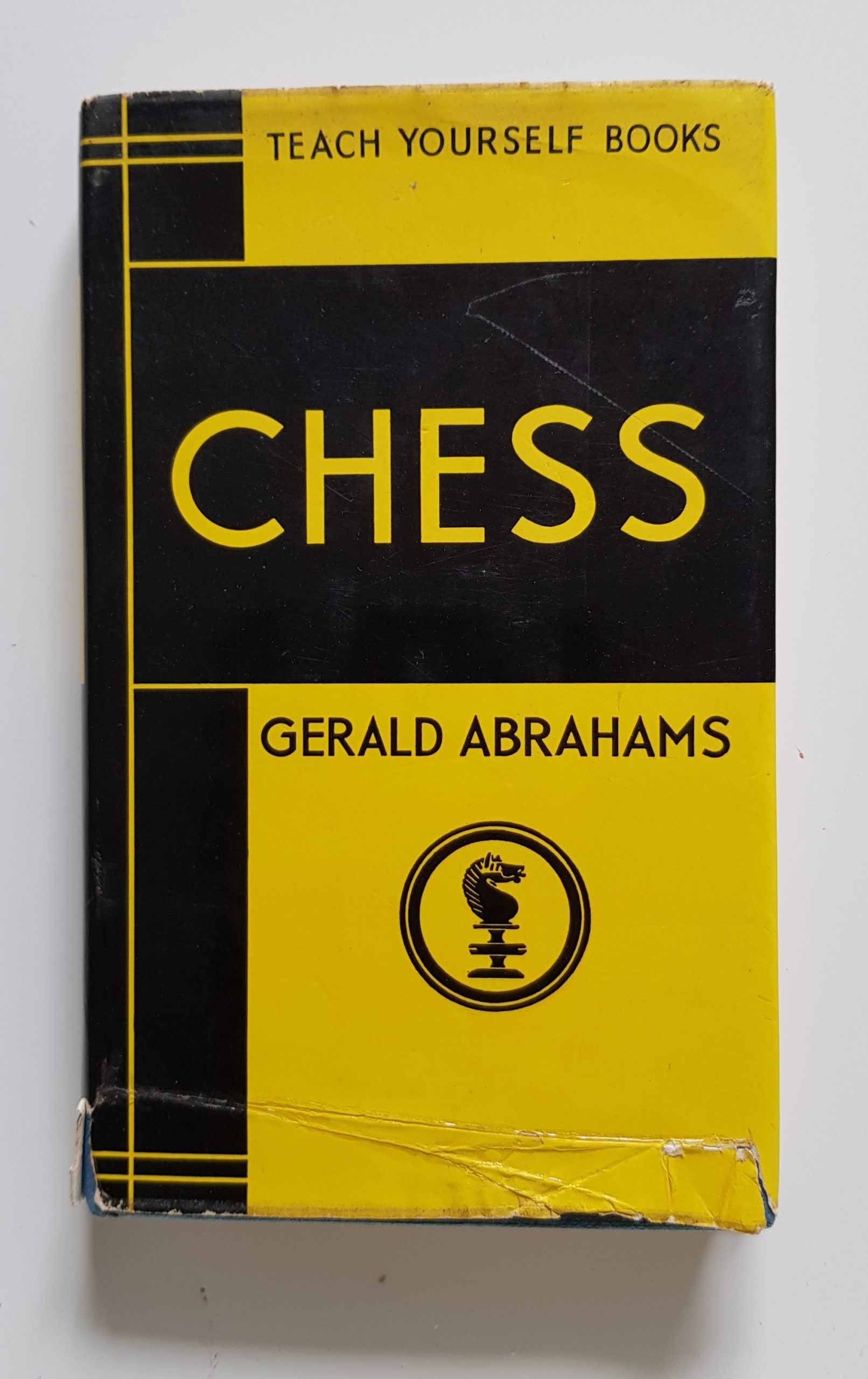 Teach Yourself Chess, Gerald Abrahams, The English Universities Press Ltd, 1965,