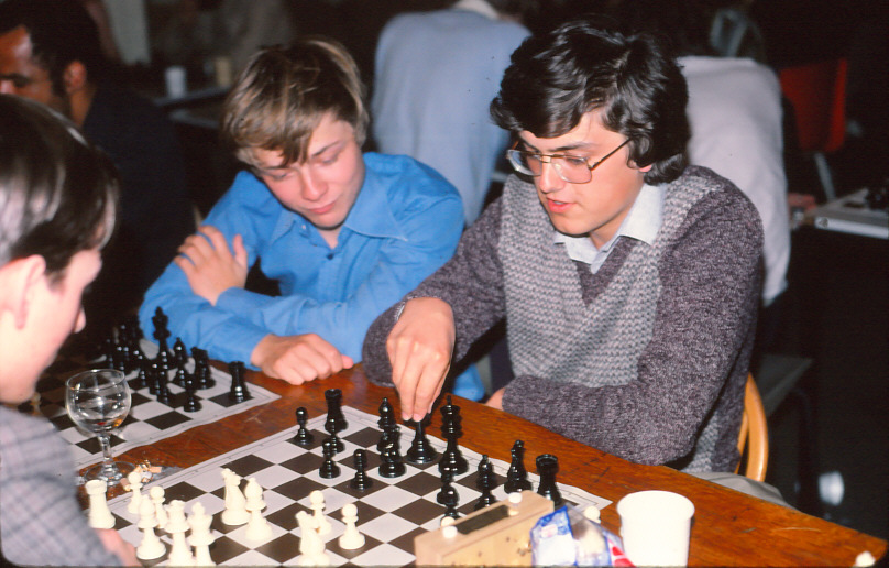Erik (left) analyses with Mark A Johnstone (right) and James Pratt at the 1981 Islington Open. Your Truly was the photographer.