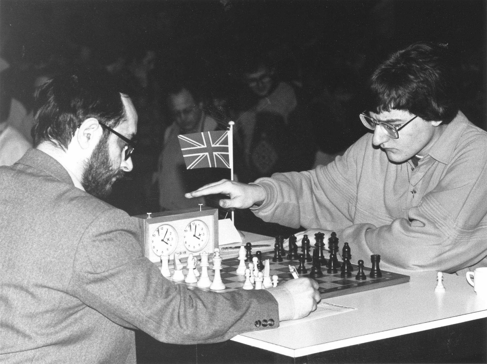 Anatoli Vaisser vs Matthew Sadler, Cappelle-la-Grande, 1991