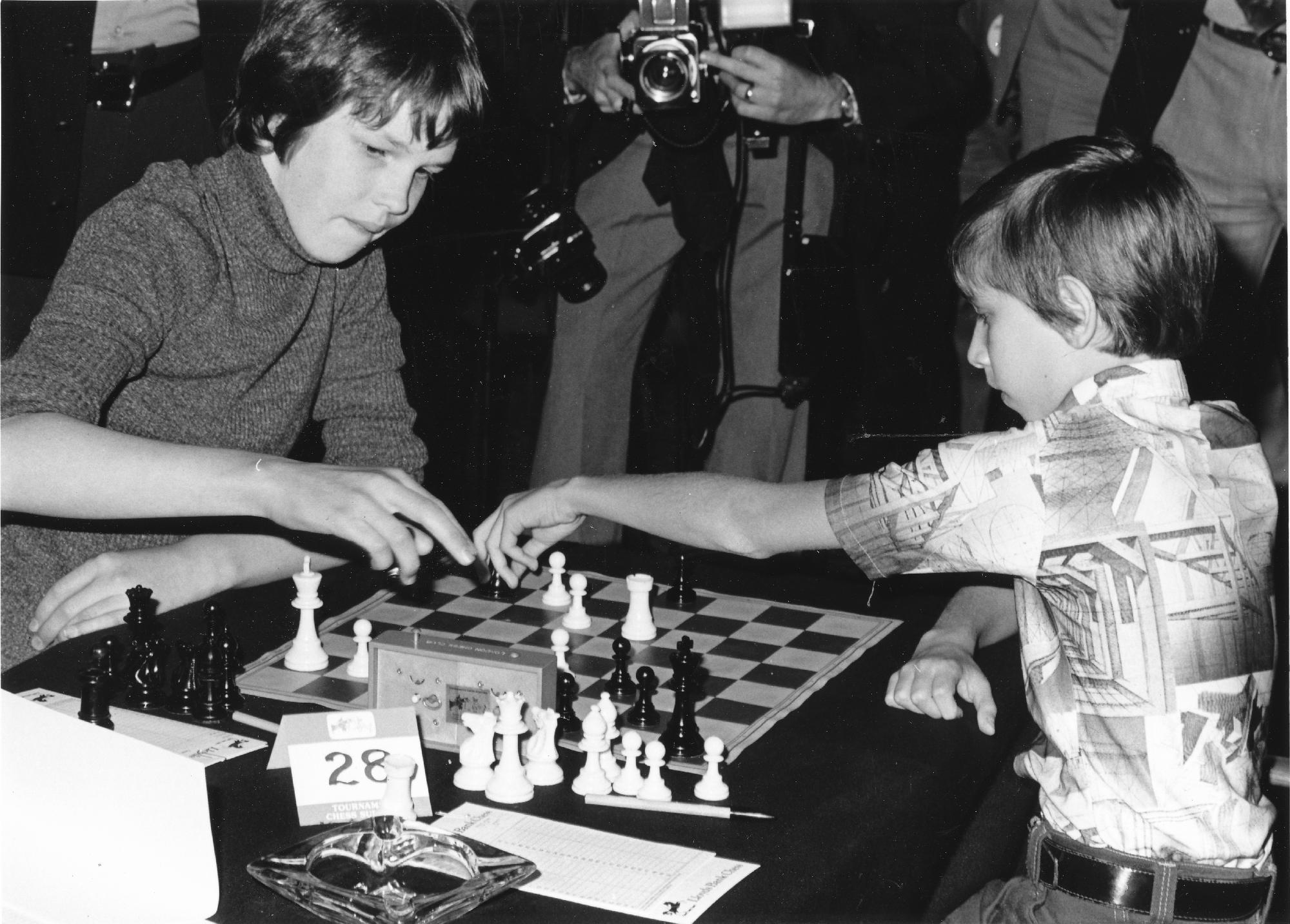 Nigel Short plays Joel Benjamin at Lloyd's Bank, 1976. 1-0, Maroczy Bind