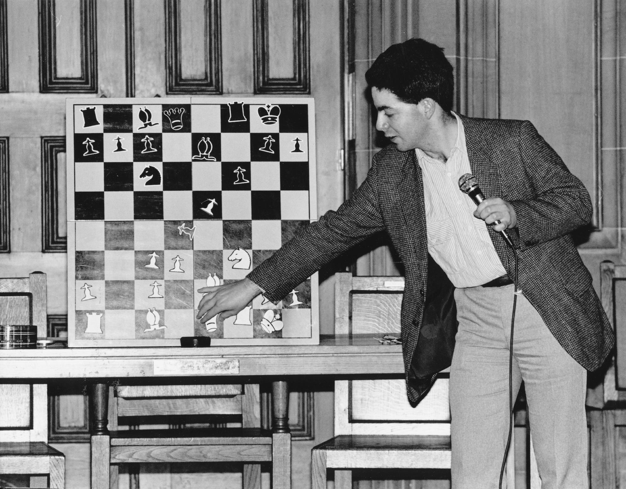 GM Paul Motwani demonstrates one of his games