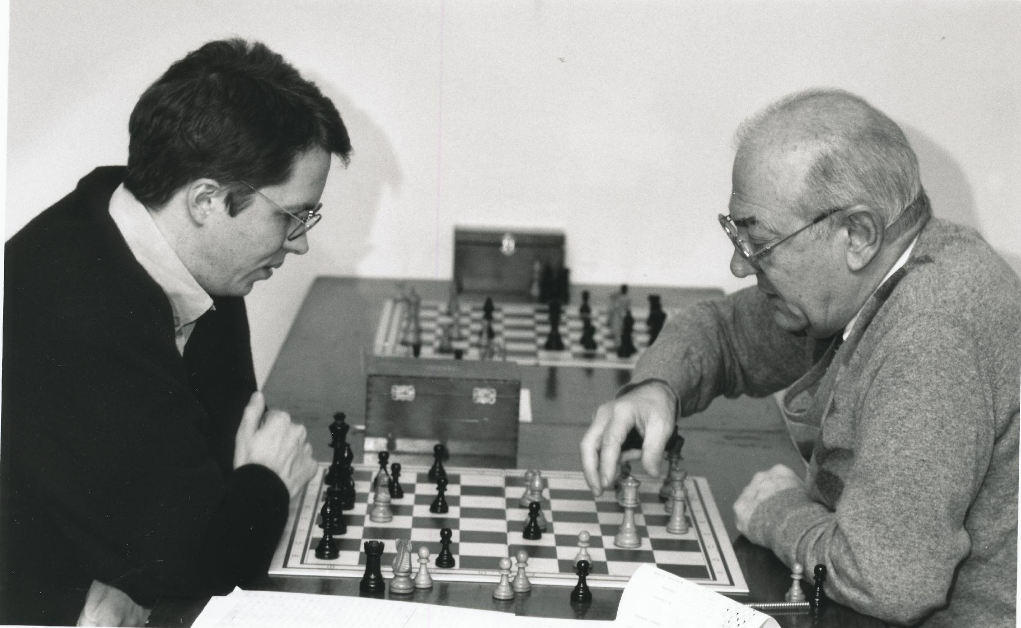 Nigel analyses with Viktor Korchnoi, unknown date and venue