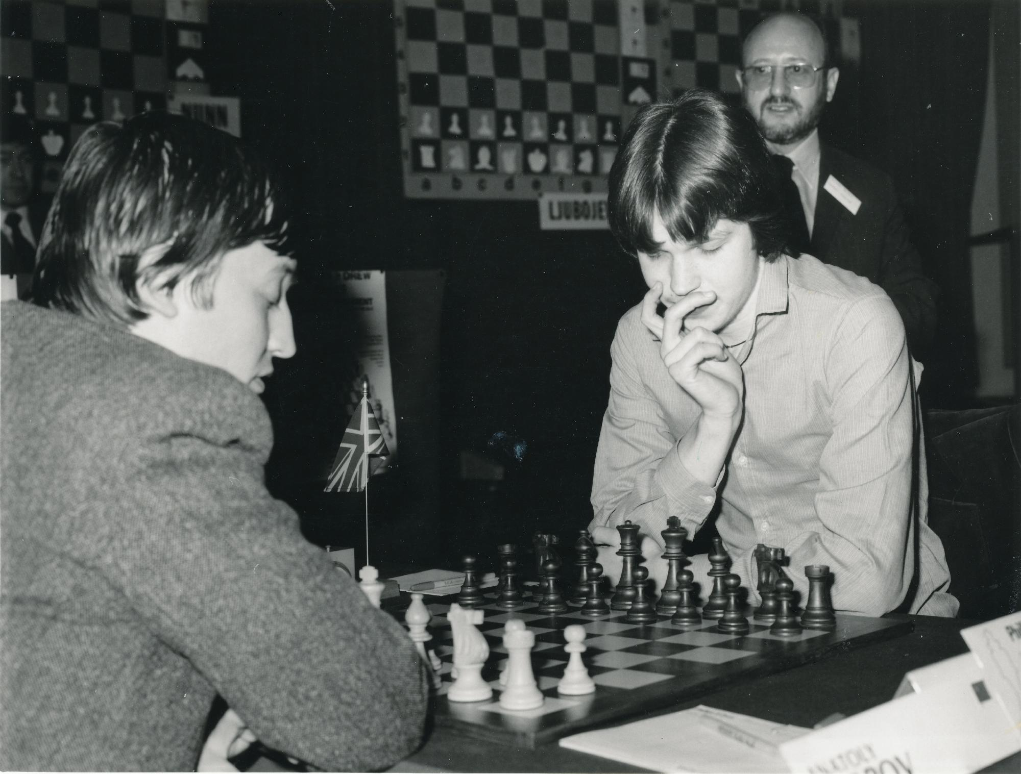 Anatoly Karpov plays Nigel Short, London, Philips & Drew, French Winawer, 1/2-1/2, Stewart Reuben looking on