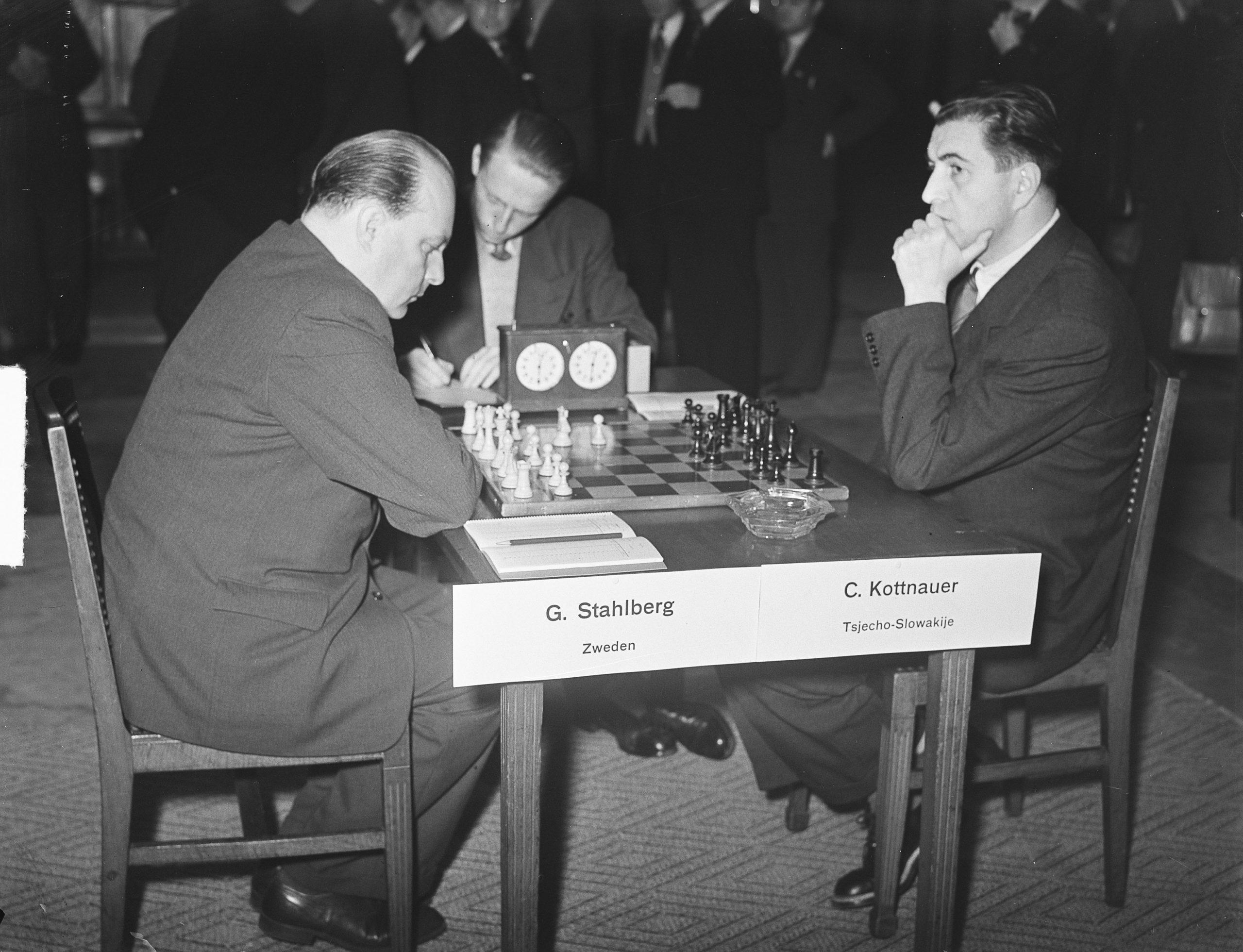 Amsterdam 1950, first day; Gideon Stahlberg versus Cenek Kottnauer Date: November 11, 1950