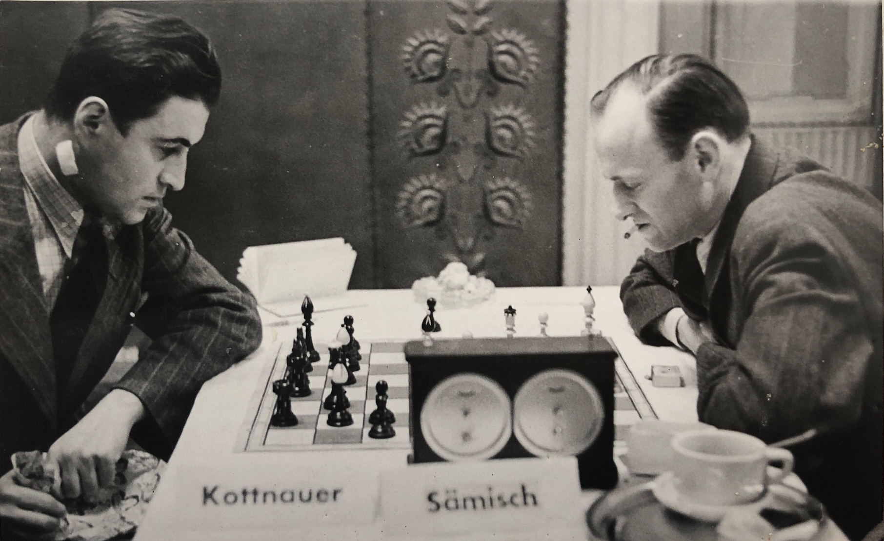 Čeněk Kottnauer plays Friedrich Sämisch during the Duras Memorial in Prague. December 7th 1942, The game was a Slav drawn after 42 moves
