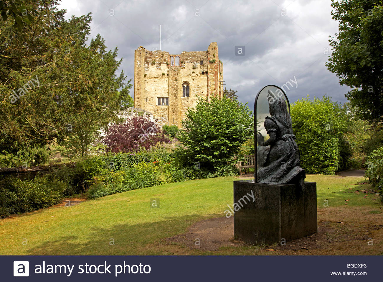 Alice Through the Looking Glass in the grounds of Guildford Castle, David Ball / Alamy Stock Photo